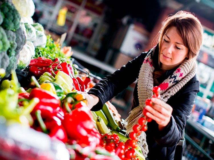 Consejos para Comprar Comida Saludable sin la Influencia del Hambre