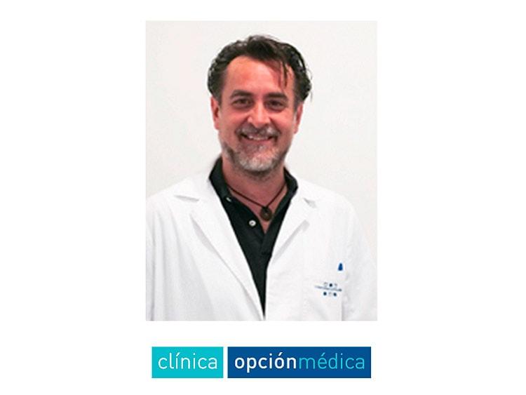 Dr. Álvaro Iriondo